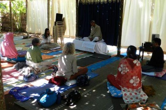 guru teaching