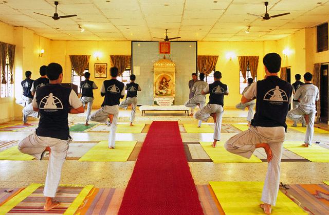 Kaivalyadhama Ashram, Lonavala Image Credit: www.yoga.info